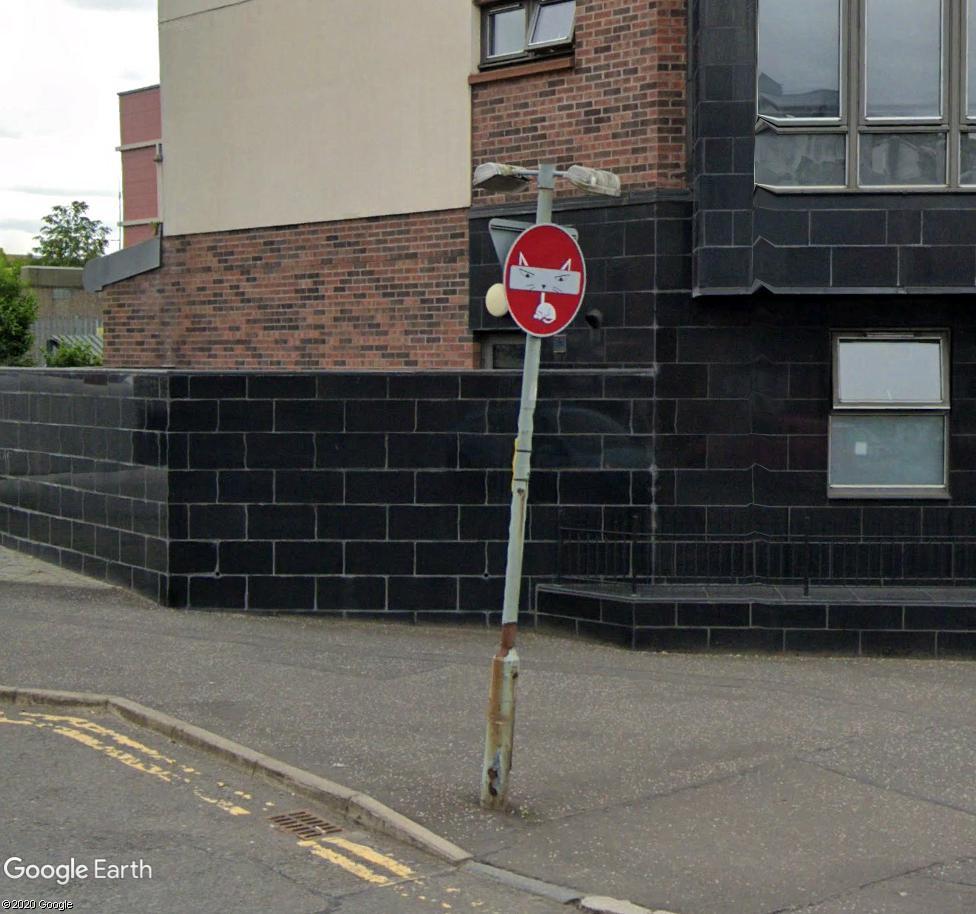 STREET VIEW : les panneaux routiers - Page 6 Souris12