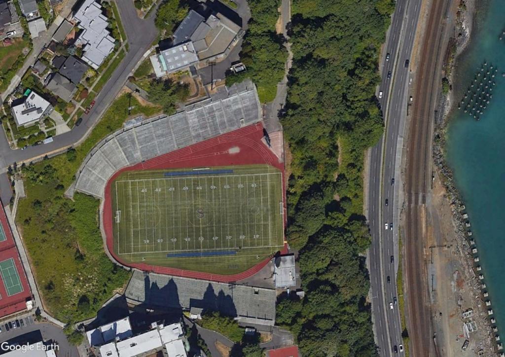 Stades d'athlétisme hors du commun - Page 2 Stadiu10