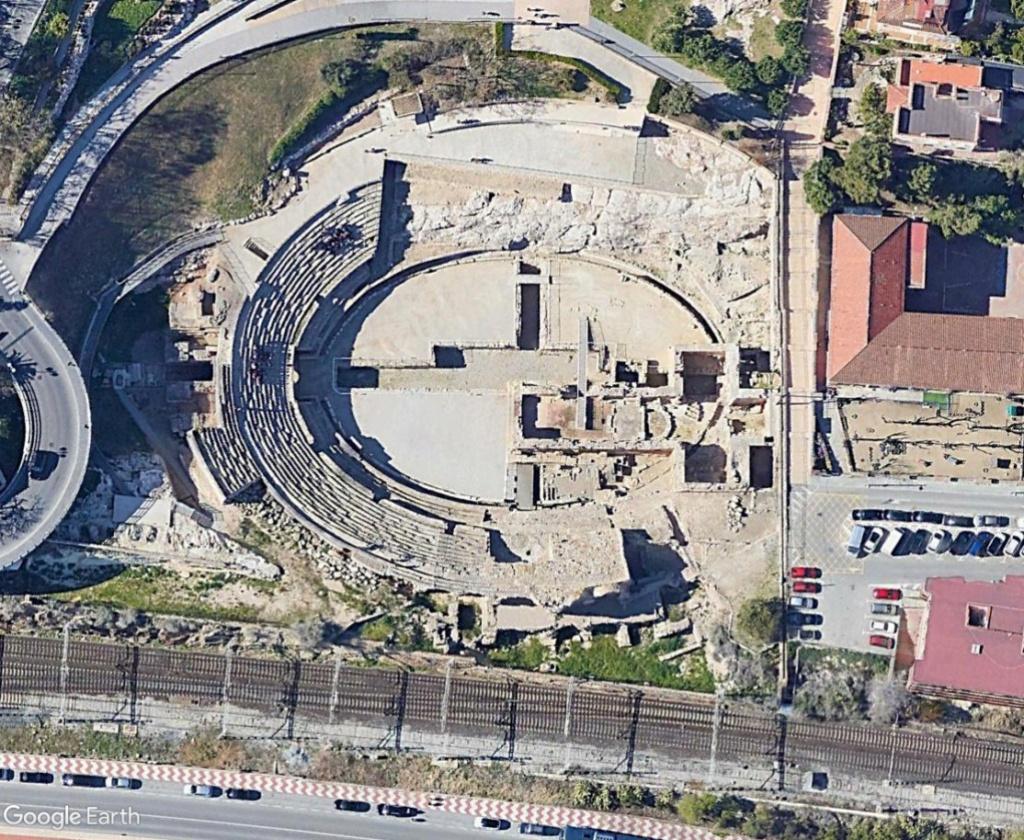 """Amphithéâtres romains : """"du pain et des jeux"""" - Page 2 Tartr212"""
