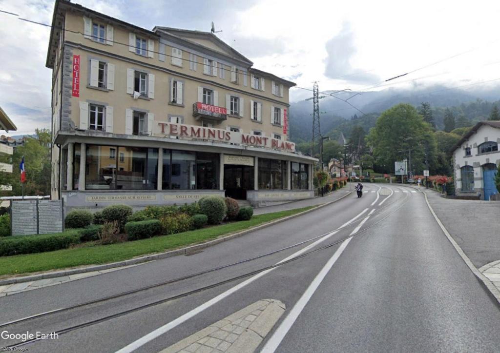 Le Tramway du Mont-Blanc : à l'assaut de la haute montagne Tram210