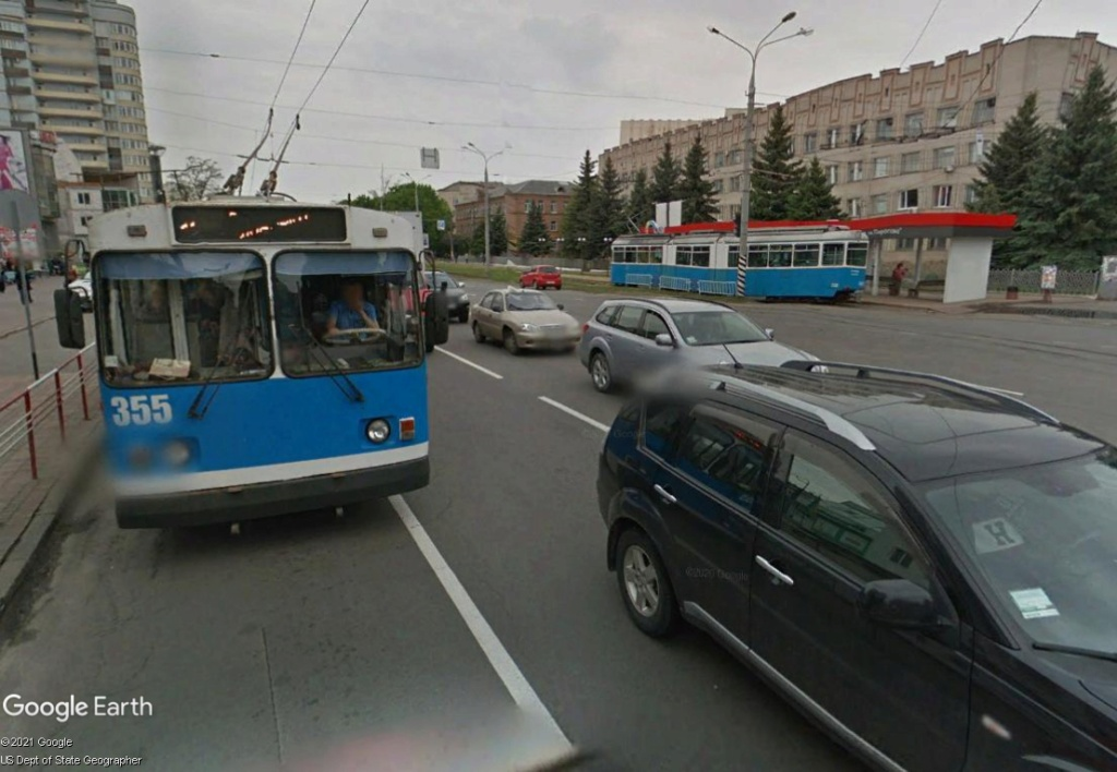STREET VIEW : les tramways en action - Page 6 Troll10