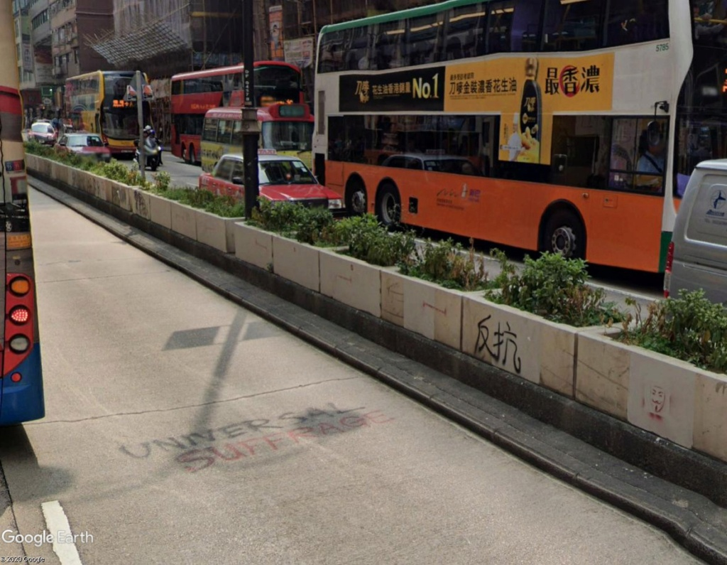"""Hong Kong à l'heure de la """"normalisation"""" : un voyage en images - Page 2 Uiv10"""