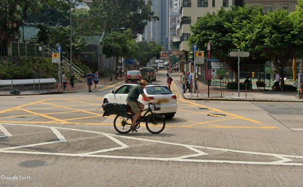 """Hong Kong à l'heure de la """"normalisation"""" : un voyage en images - Page 5 Velo110"""