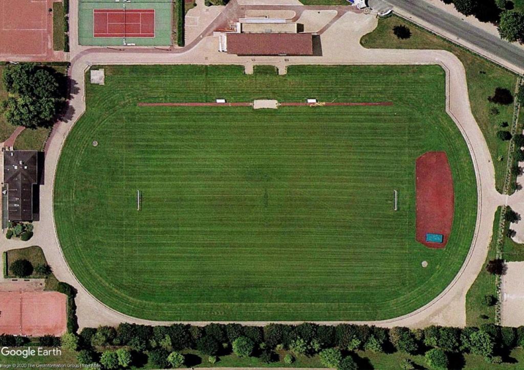 Stades d'athlétisme hors du commun - Page 3 Vesine10