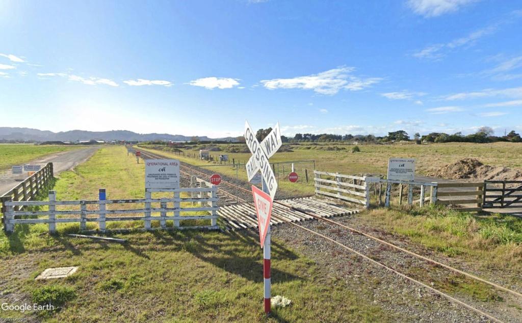 Aérodrome de Gisborne, Nouvelle Zélande : la bataille du rail et de l'air  Voie_f10