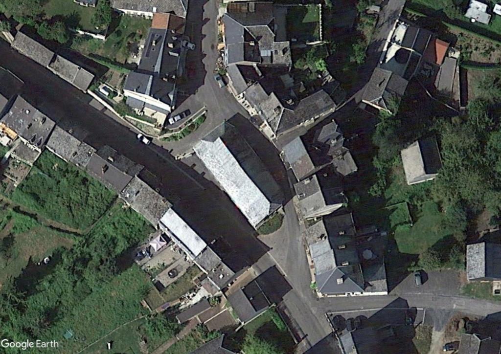 STREET VIEW : halles et marchés couverts - Page 4 Wa110