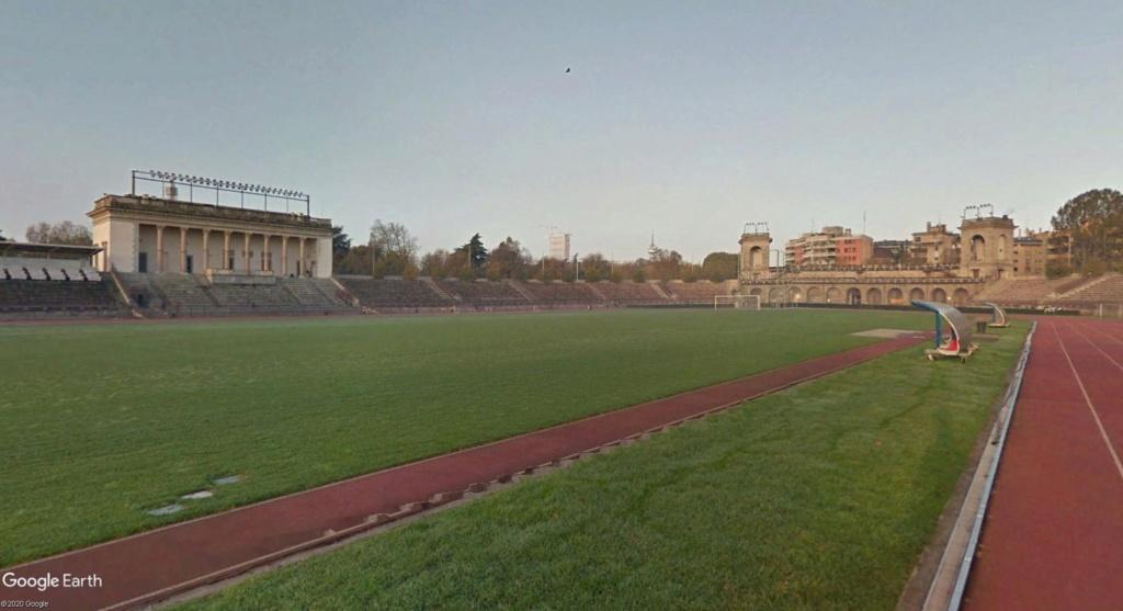 Stades d'athlétisme hors du commun - Page 2 Yyrr11