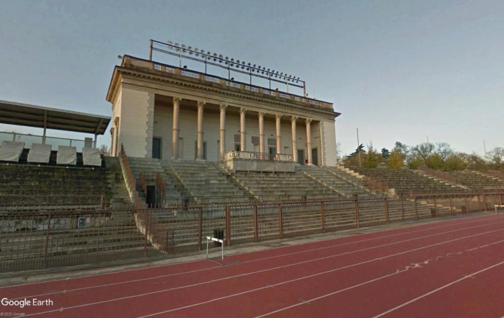 Stades d'athlétisme hors du commun - Page 2 Yyrrss10