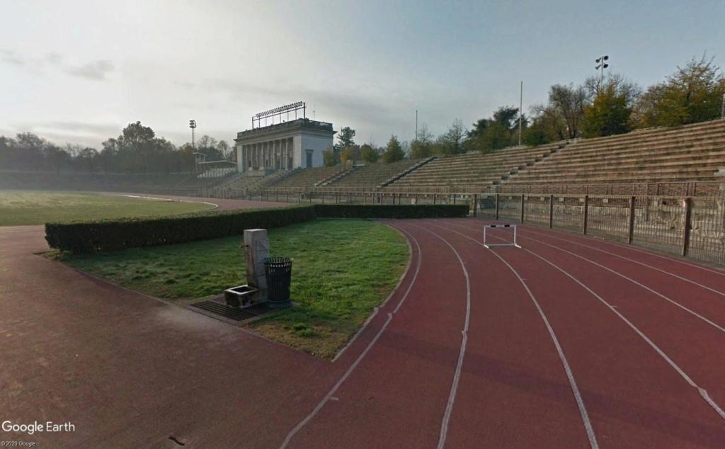 Stades d'athlétisme hors du commun - Page 2 Yyrrss12