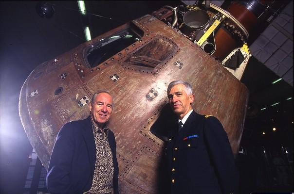 Rencontres avec les astronautes et cosmonautes / Où les voir ? Quand les voir ? - Page 2 A13vsd10
