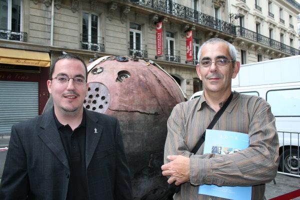 Nouvelle vente aux enchères Espace à Drouot le 2 décembre 2009 - Page 2 Pifser10