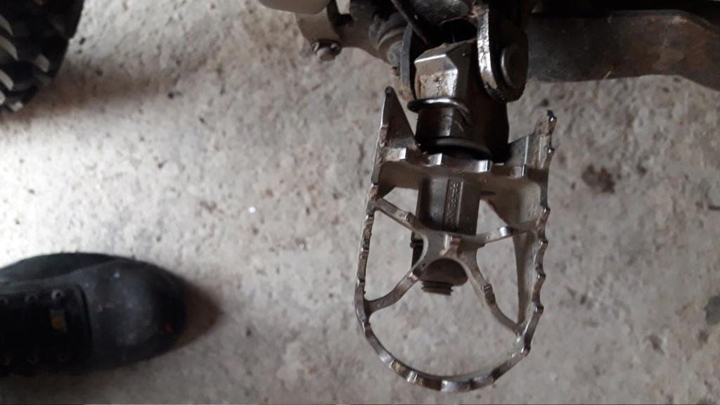 Cale pieds pivotants avant/arriere 660xtz12