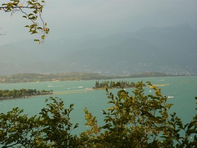 cherche camping au bord d'un lac en france P1000210