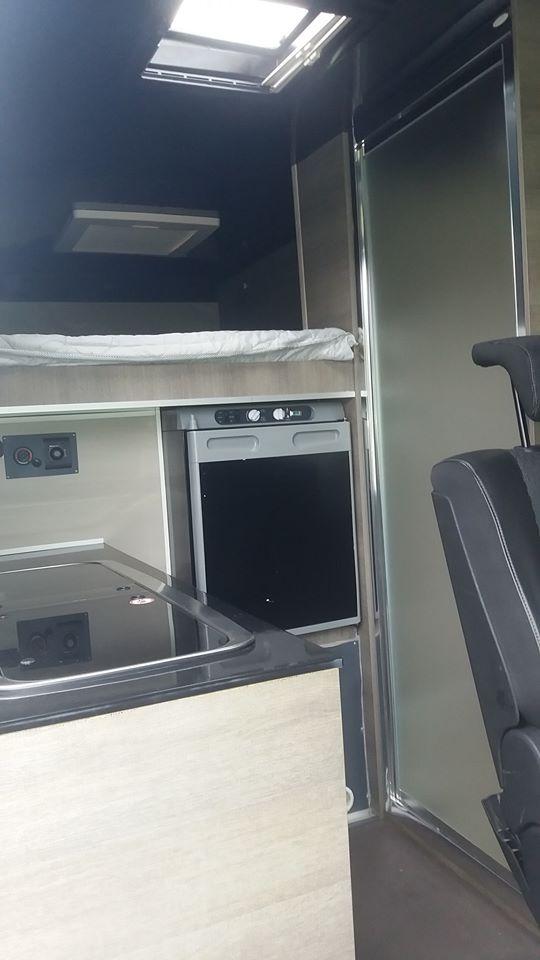 Utilitaire ou camping car 79852210