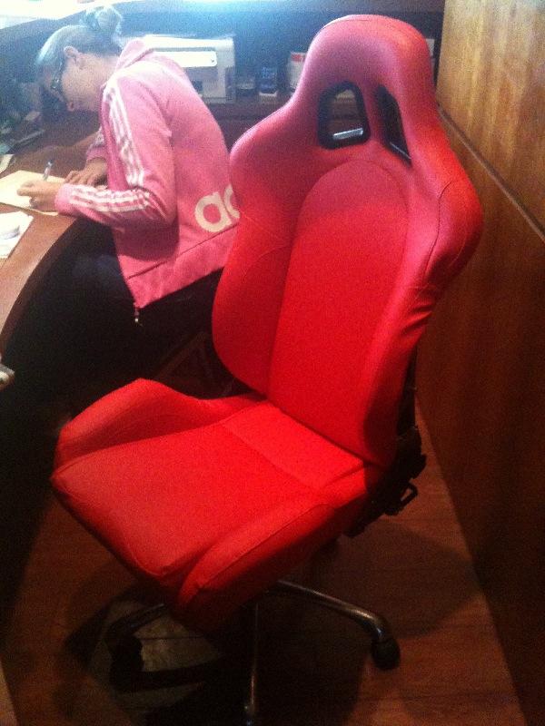 mon nouveau siège tout beau tout neuf.. Img_0110