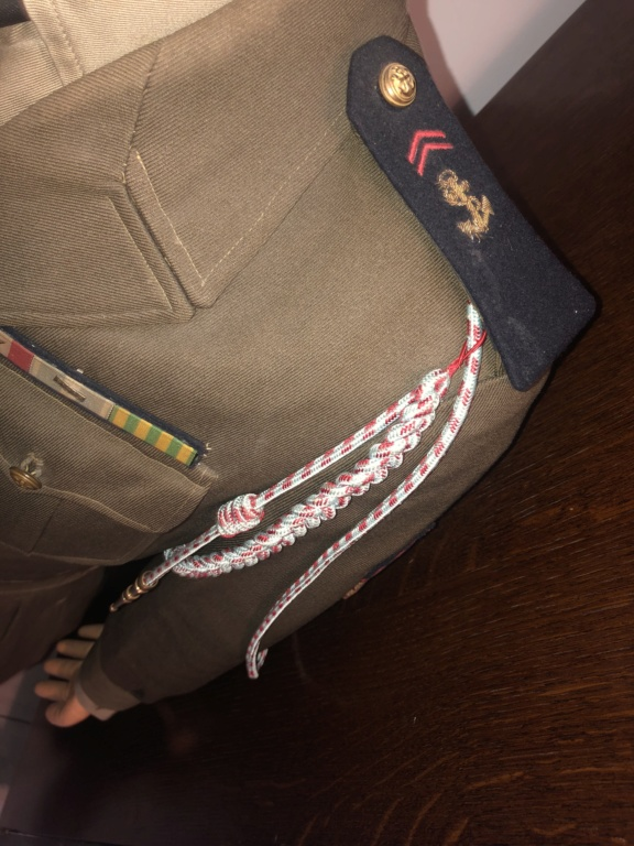 Suite uniformes français  E4dc3010