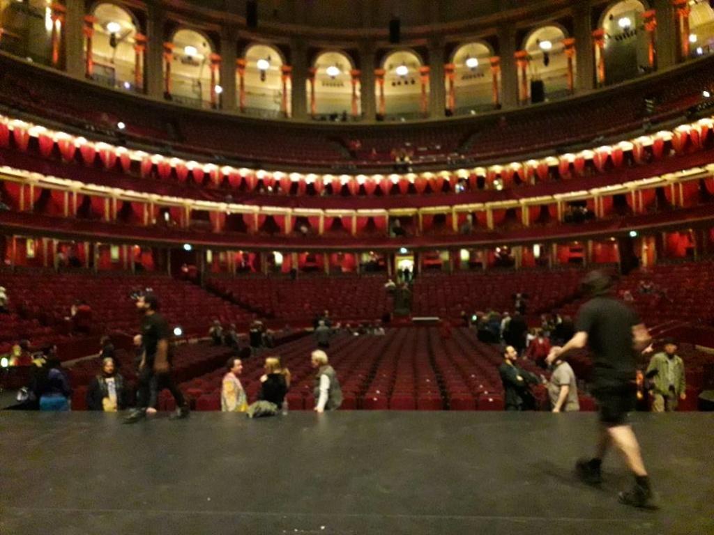 Royal Albert Hall 1969 : CD, DVD, procès... - Page 18 72483810