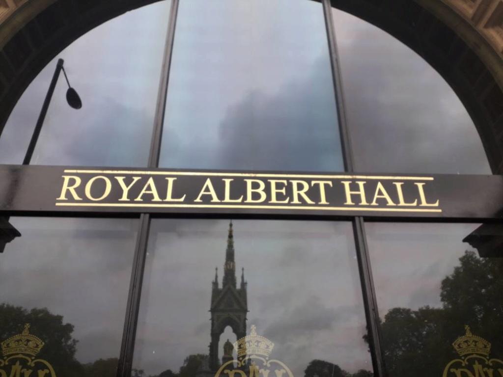 Royal Albert Hall 1969 : CD, DVD, procès... - Page 18 72781110