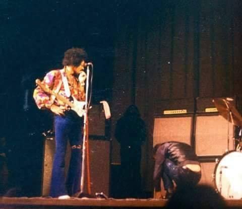 Munich : 15 janvier 1969 [Premier concert] Jimi_m10