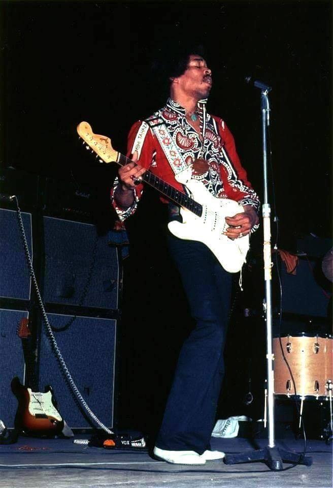 Shreveport (Municipal Auditorium) : 31 juillet 1968 Jimi_s11