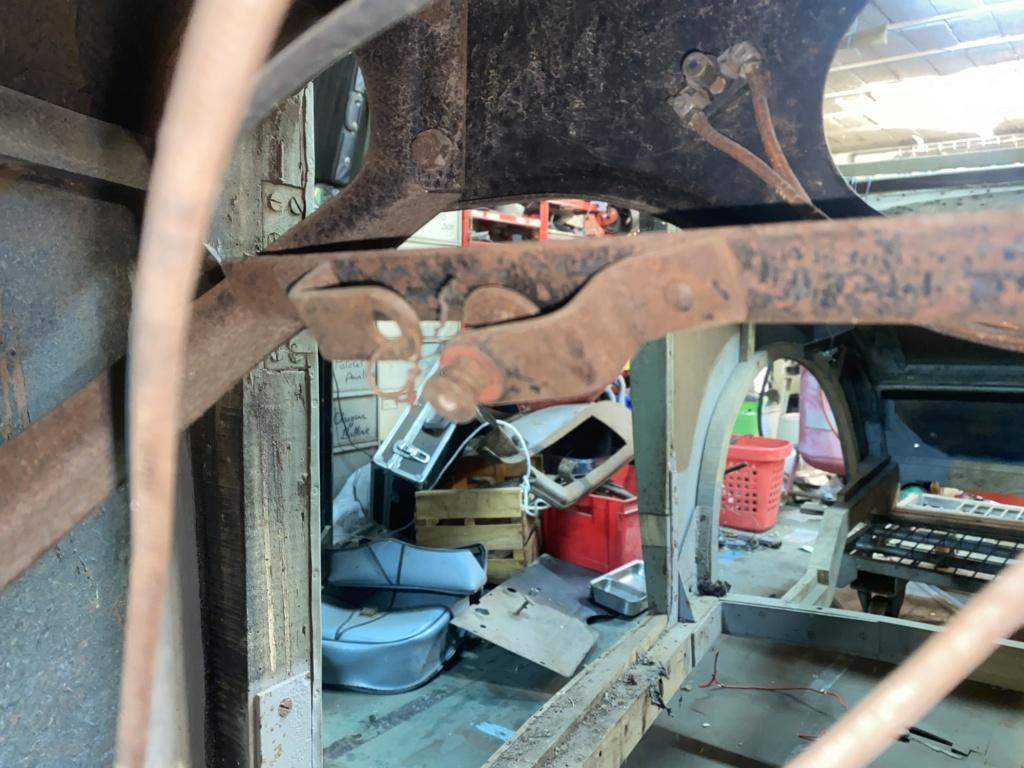 Restauration de la 201 Cabriolet de Tibo - Page 6 4d641410