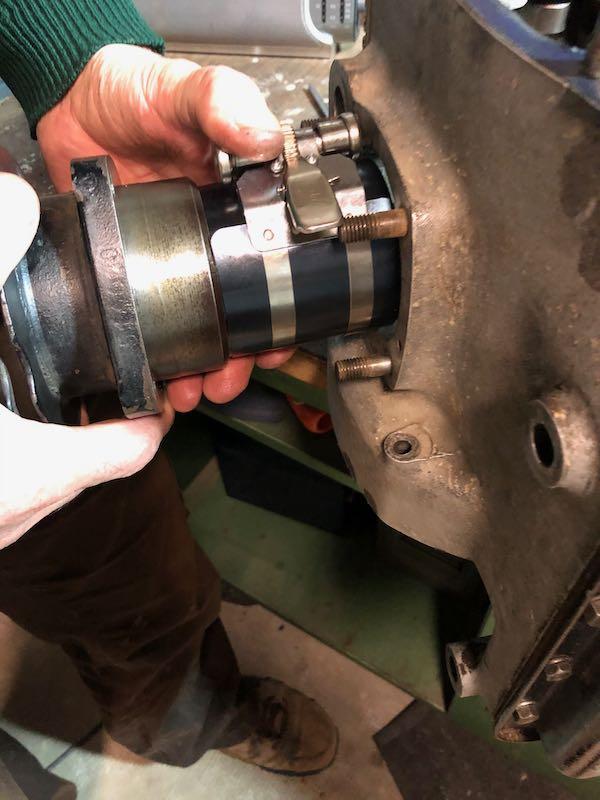 [RATIER C6S] Monter le piston dans le cylindre Img_6019