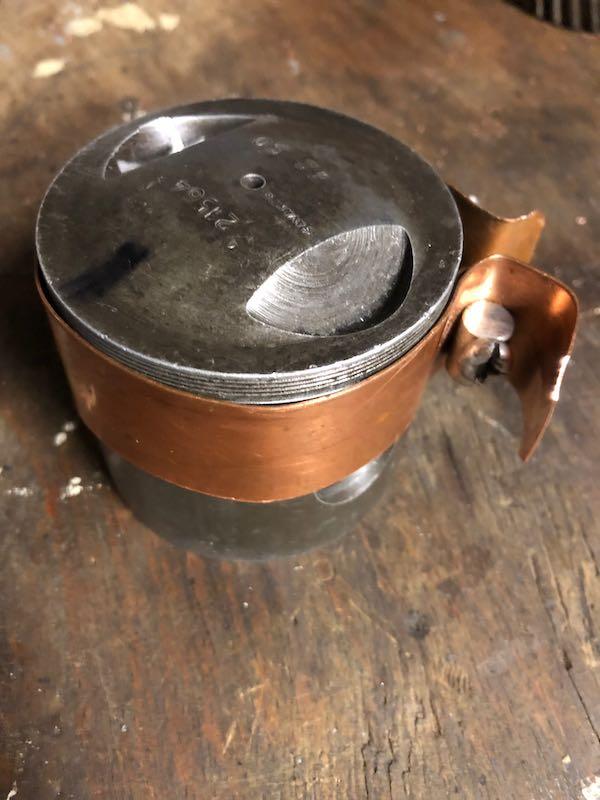 [RATIER C6S] Monter le piston dans le cylindre Img_6025
