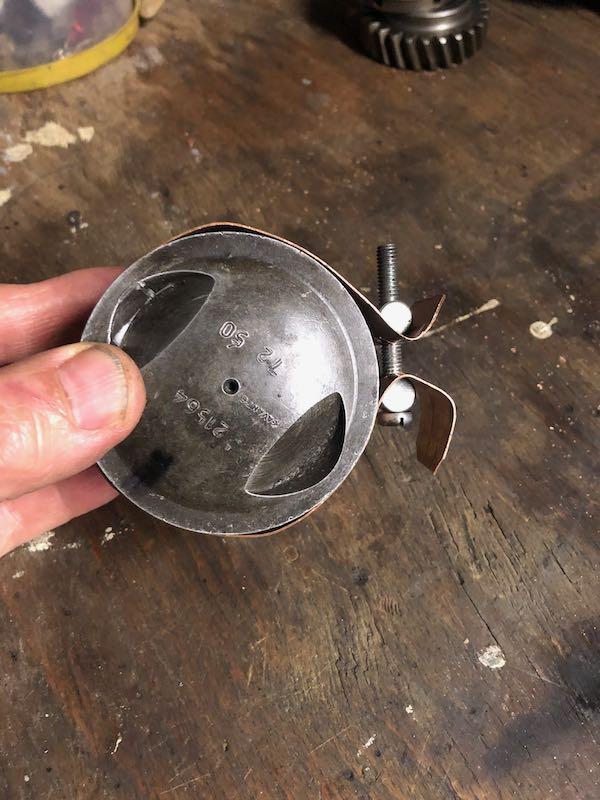[RATIER C6S] Monter le piston dans le cylindre Img_6026