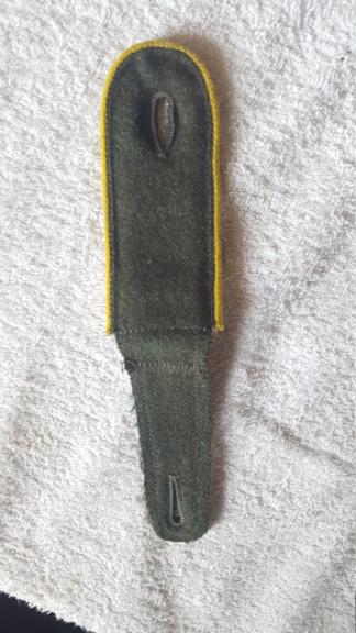 pattes d'épaules allemandes jaunes , cavalerie? trans ? copie ou non ? 20190829