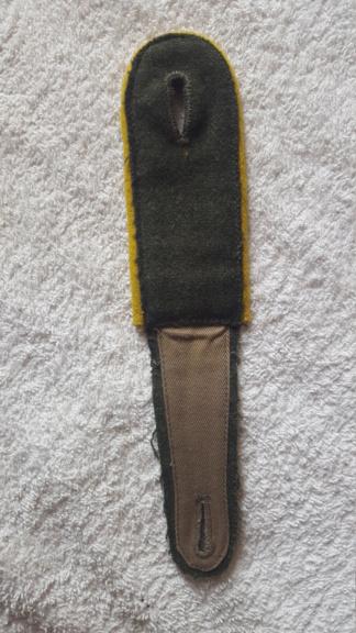 pattes d'épaules allemandes jaunes , cavalerie? trans ? copie ou non ? 20190831