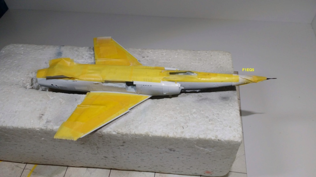 Mirage F1EQ Irak [Special Hobby 1/72] - Page 3 Img_2056