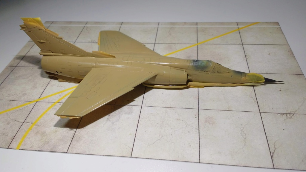 Mirage F1EQ Irak [Special Hobby 1/72] - Page 3 Img_2057