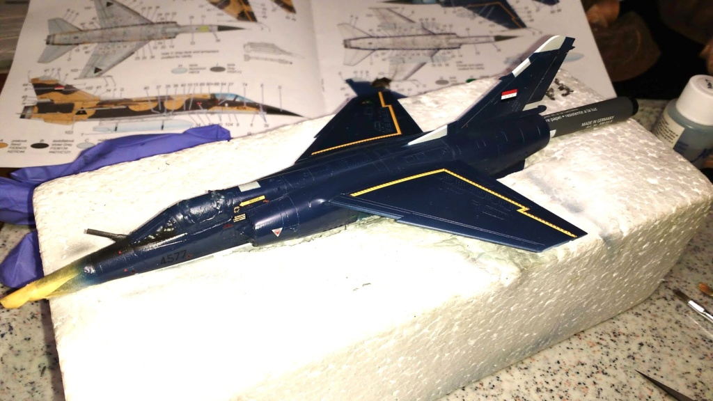 Mirage F1EQ Irak [Special Hobby 1/72] - Page 3 Img_2063