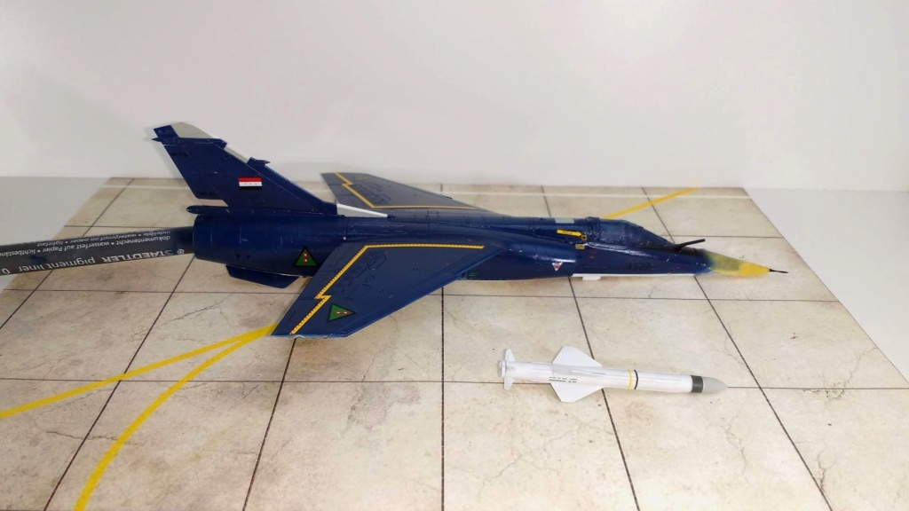 Mirage F1EQ Irak [Special Hobby 1/72] - Page 3 Img_2064