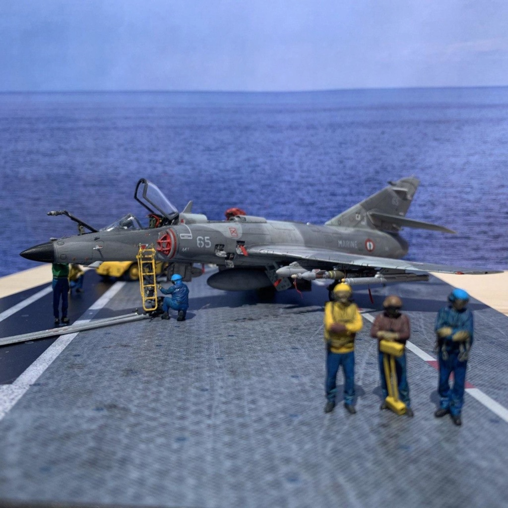 [HELLER] Super Etendard Modernisé 1/72 avec kit ARMYCAST Photo171