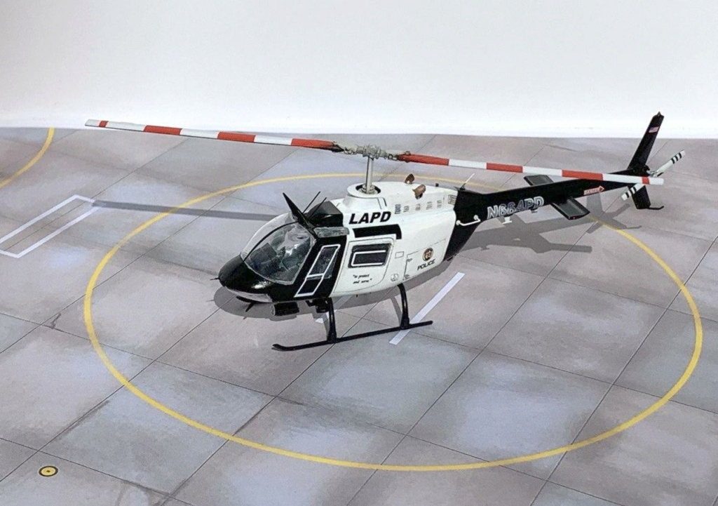 Bell 206 Jet Ranger - Los Angeles Police - Italeri 1/72 Photo212