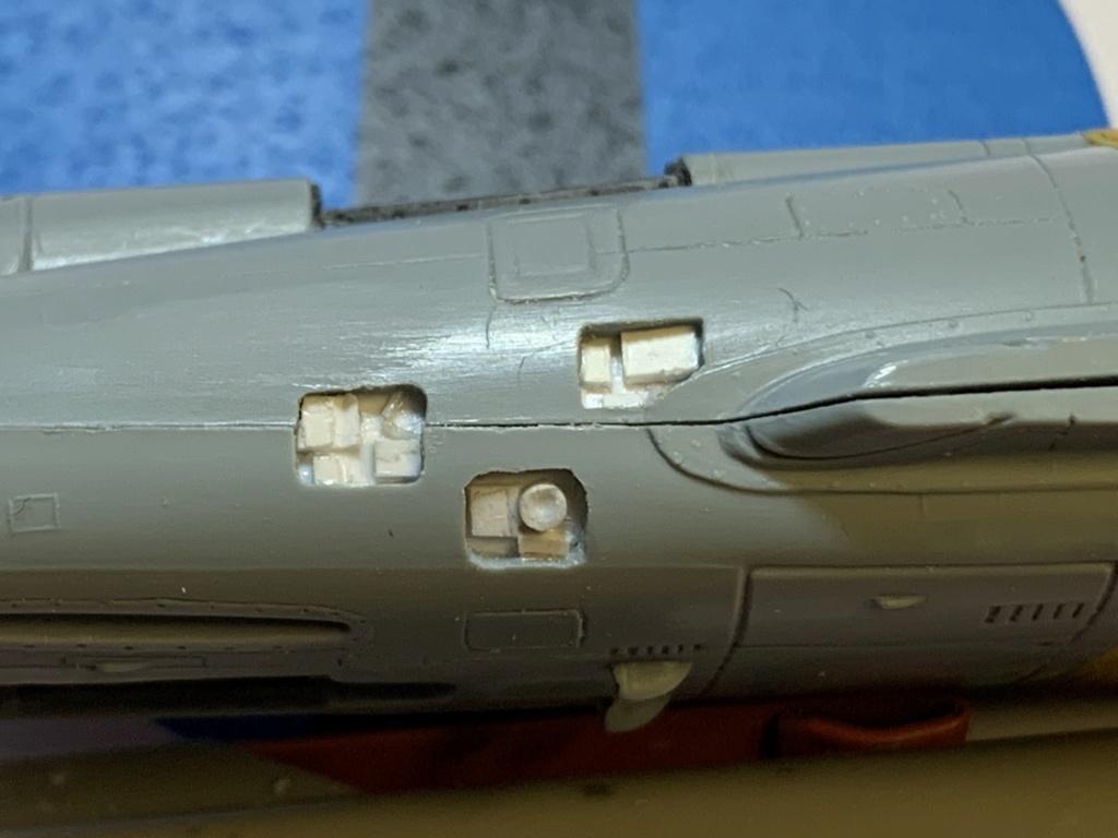 [HELLER] Super Etendard Modernisé 1/72 avec kit ARMYCAST Photo_68