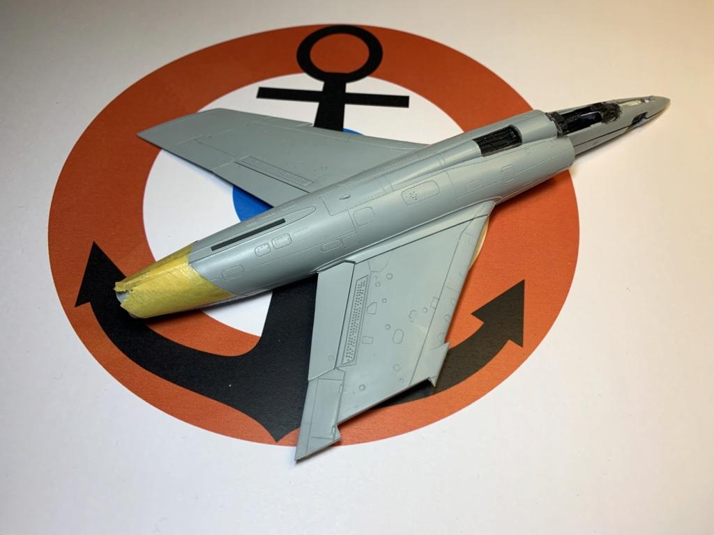 [HELLER] Super Etendard Modernisé 1/72 avec kit ARMYCAST - Page 2 Photo_70