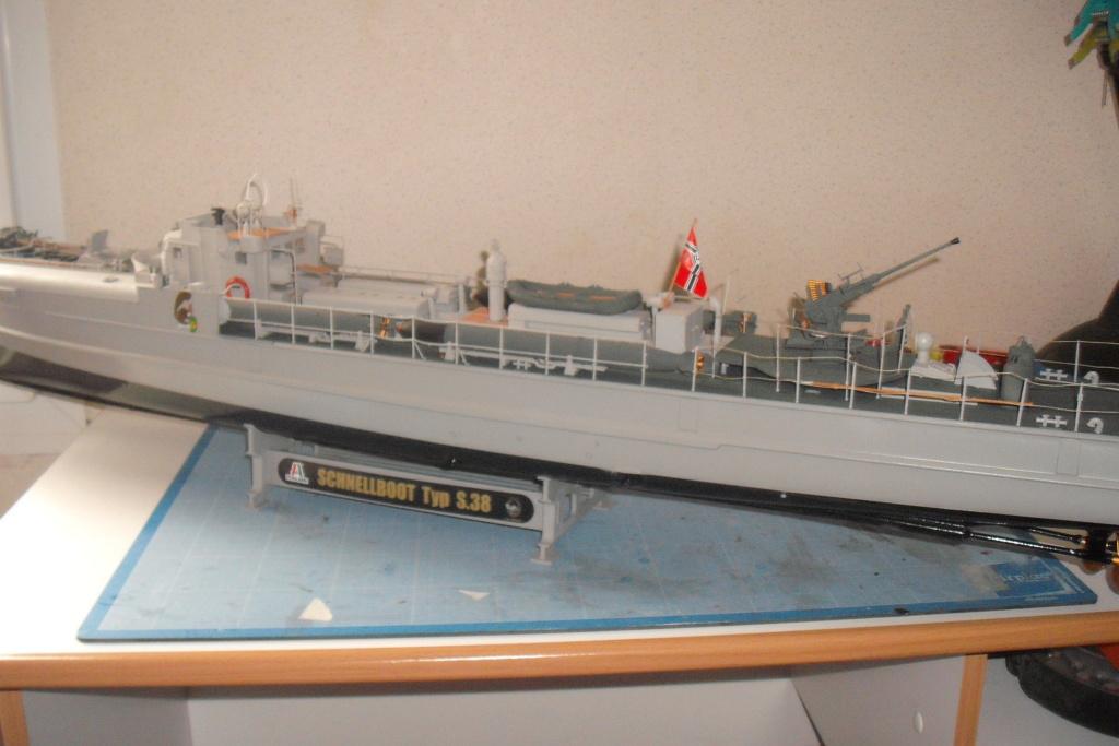 lance torpilles allemand.1/35  Dscf8532