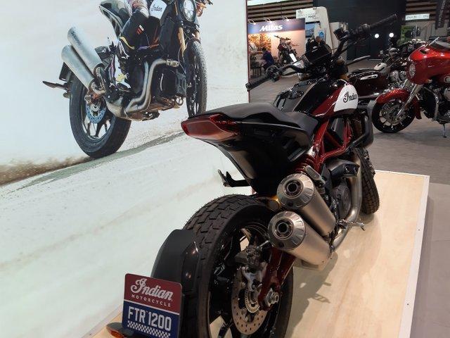 salon moto lyon 27-20110
