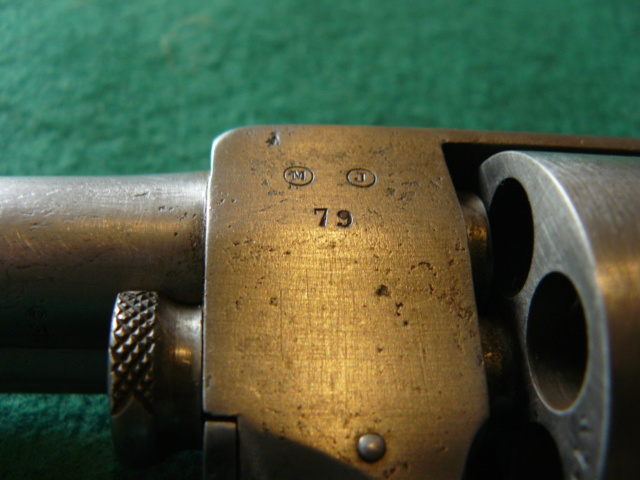 Précisions sur le revolver de Marine modèle 1870 N P1080628