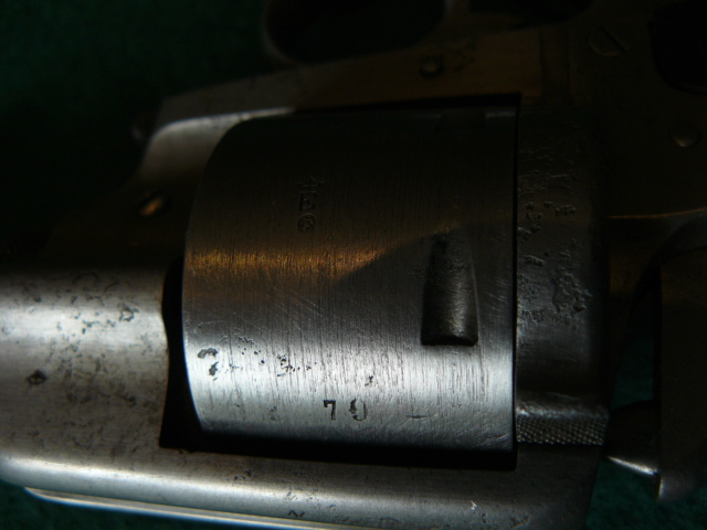 Précisions sur le revolver de Marine modèle 1870 N P1080630