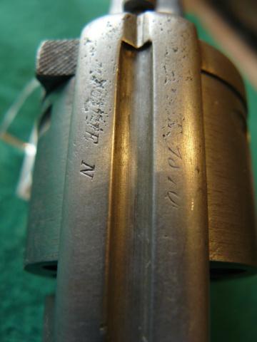 Précisions sur le revolver de Marine modèle 1870 N P1080631