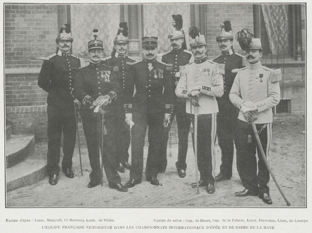Un sabre napoléonien inhabituel sur un hussard de 1907 Equipe10