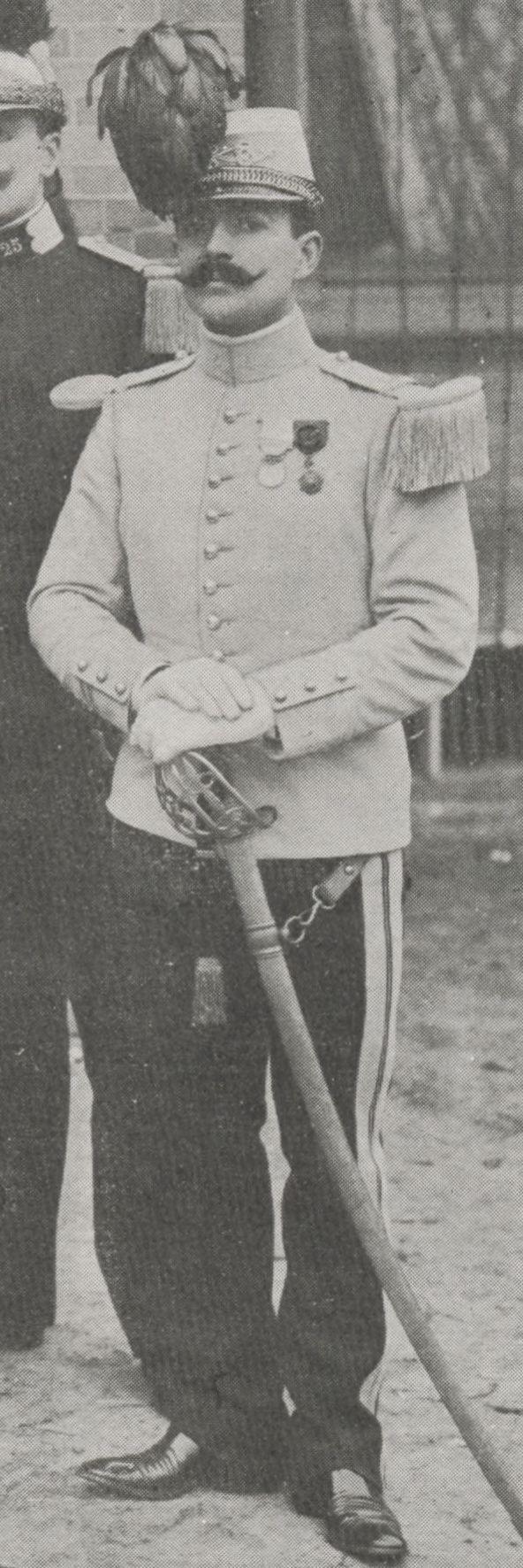 Un sabre napoléonien inhabituel sur un hussard de 1907 Equipe11