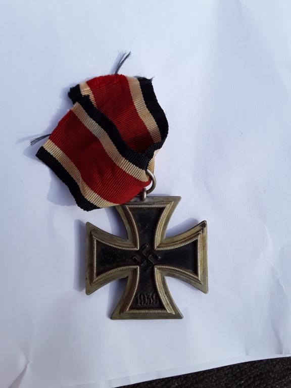 Badge parti et EK2 20180938