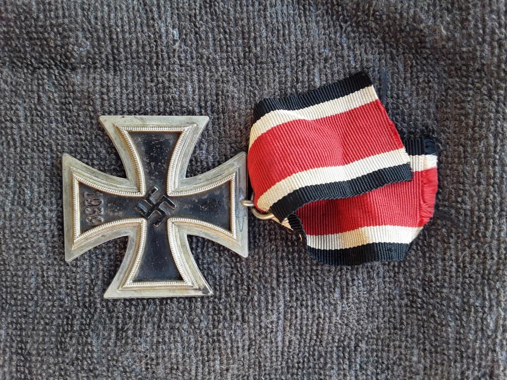 Badge parti et EK2 20180940
