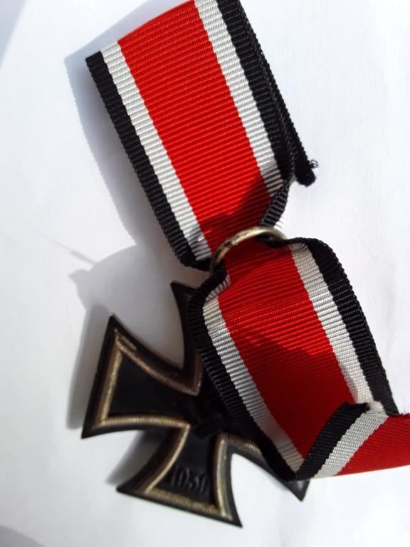 Badge parti et EK2 20180943