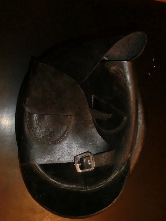 casque moto cuir identification Cimg8910