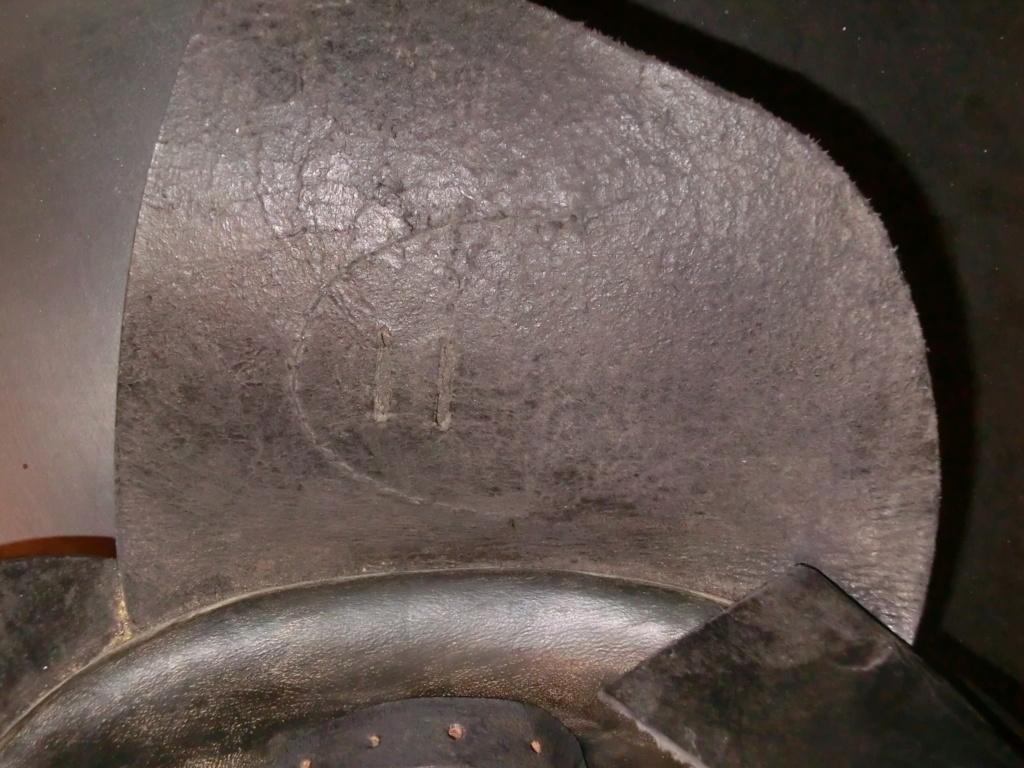 casque moto cuir identification Cimg8913